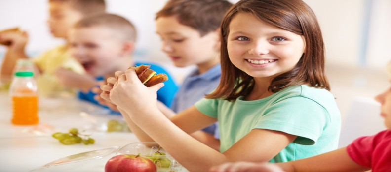 How Changes in School Lunch Diet Can Affect Your Kids' Oral Health
