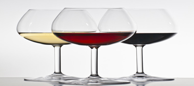 White Wine Vs. Red Wine: Which stains your teeth more? The Answer Might Surprise you!